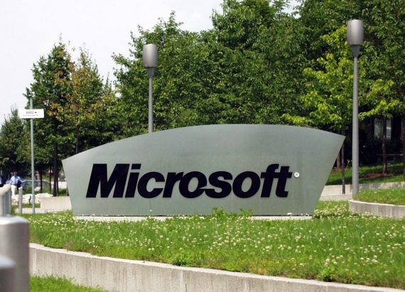 Microsoft Email-Access Fight With US Gets Supreme Court Review