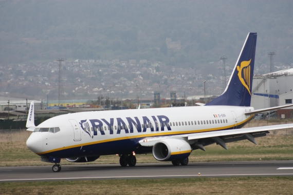 Ryanair takes legal action against outgoing COO