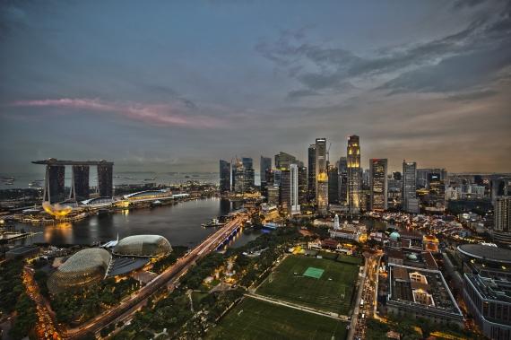 Global economic outlook darkens amid escalating trade dispute