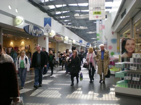 Irish consumer sentiment slumps after hitting