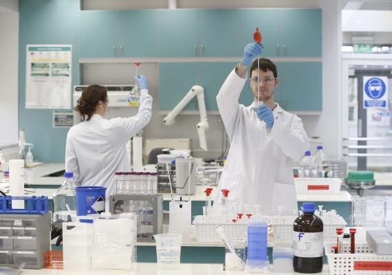 Irish-American pharma group Amarin wins FDA approval for heart drug