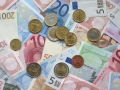 Euro hits a three week low